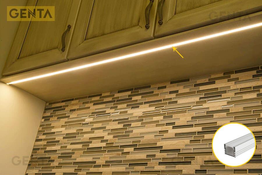 Đèn led thanh nhôm định hình G-1612 gắn tại vị trí tủ bếp