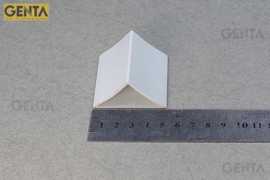 Dùng thước đo kích thước thực tế nẹp vát góc TA-50