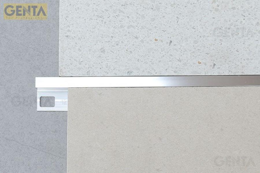 Nẹp nhôm bo góc vuông TSAP120 màu inox có thể kết hợp với nhiều loại gạch khác nhau