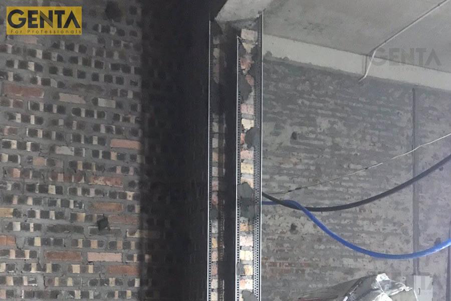 Nẹp góc trát tường A3-10S gắn tại cạnh tường