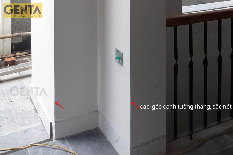 Cạnh tường được hoàn thiện sắc nét, dùng nẹp cạnh tường AW3-10S