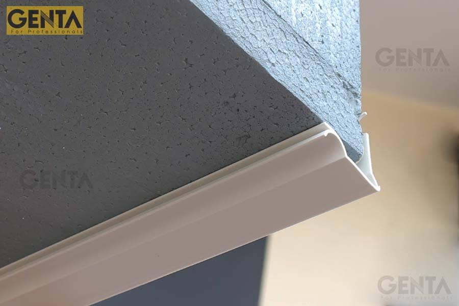 Nẹp chỉ ngắt nước AGLU3-10 được gắn tại vị trí mép ban công, lô gia, ô văng