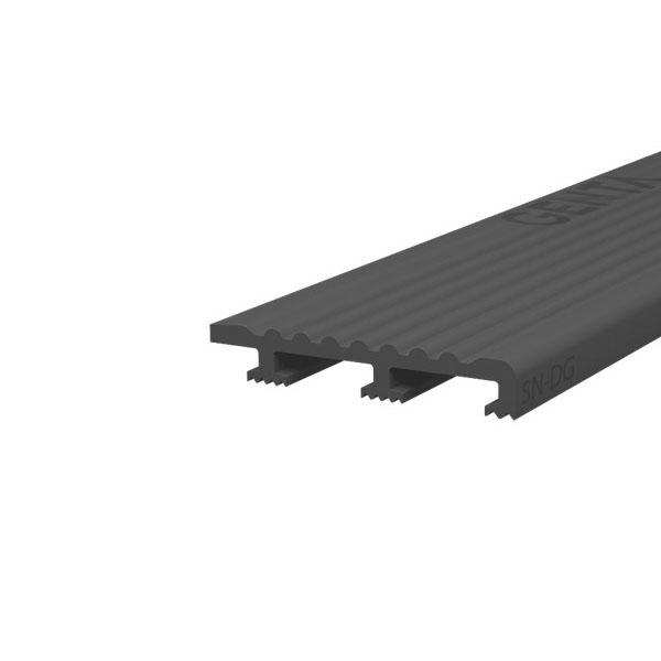 Nẹp nhựa chống trượt cầu thang SN-DG