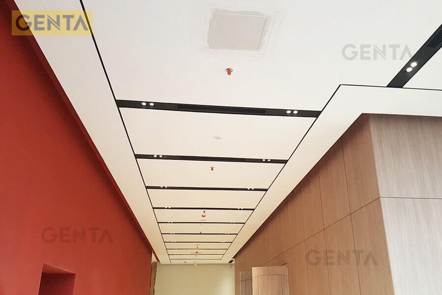 Trần thạch cao tạo điểm nhấn cho hành lang