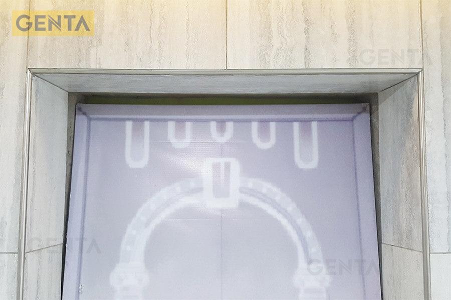 Nẹp S-GR12 inox xước tại vị trí cửa ra vào