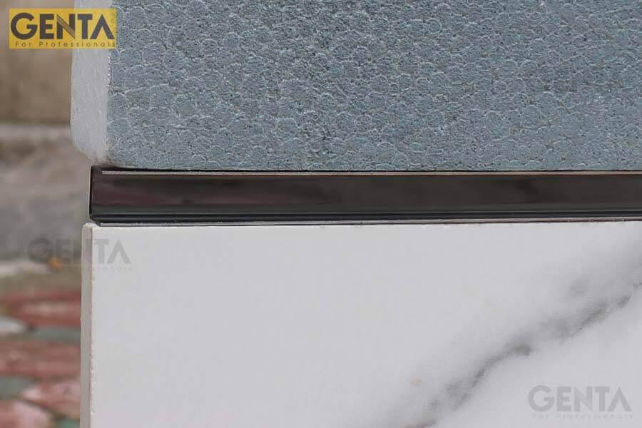 Hình ảnh mô phỏng thi công nẹp nhôm U LEA108