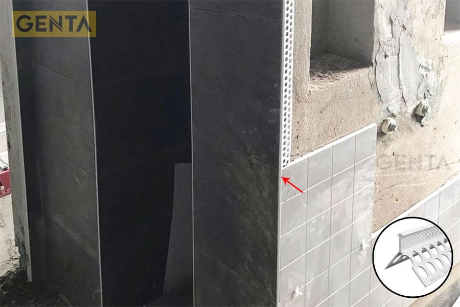 Nẹp AW3-10 tại vị trí góc ốp gạch