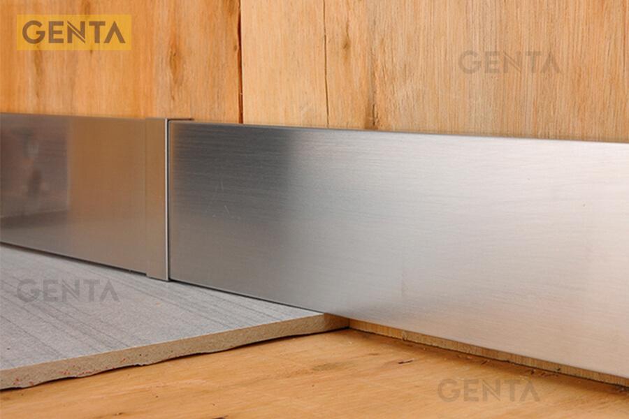 Nẹp chân tường sàn gỗ S-CV ứng dụng tại chân tường vật liệu gỗ