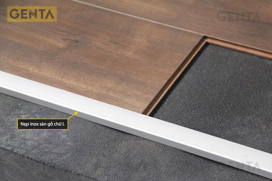 Nẹp inox sàn gỗ tại vị trí chênh cốt