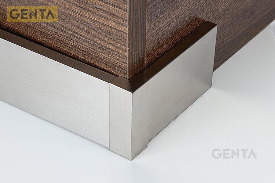 Len chân tường inox 304 S-CV tạo điểm nhấn cho chân tường hiện đại