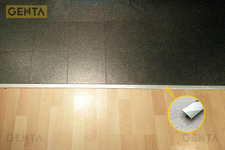 Nẹp nối sàn gỗ T inox tại vị trí phân sàn